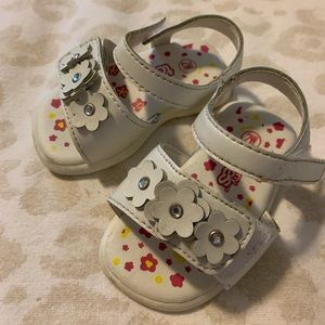Other - Teeny toes baby girl white sandals size 2
